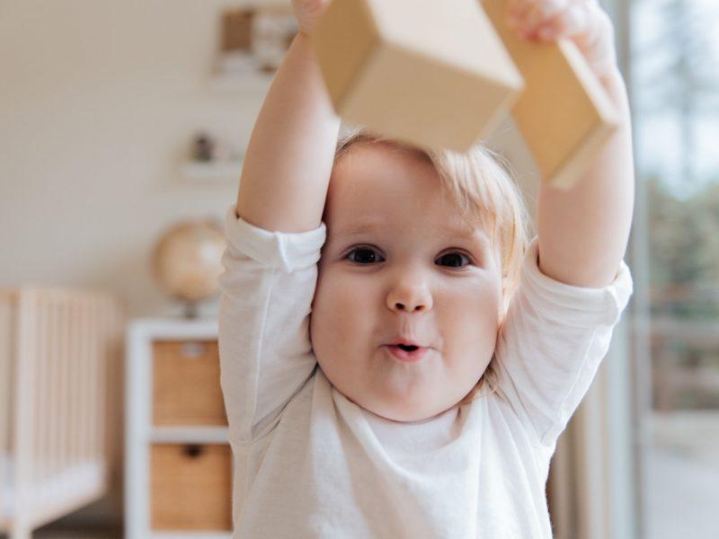 Jouet éducatif 10 mois : quel est le meilleur ?